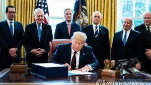 트럼프, 잉크 마르기도 전에 2천400조원 코로나19 예산 추가요구