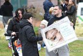 이탈리아, 영국 희소병 아기에 시민권…로마 병원에 즉각 오길